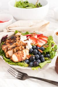 Grilled-Chicken-and-Berry-Salad-from-top.jpg