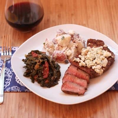 Black & Bleu Steaks - spicy grilled steaks topped with tangy bleu cheese | cupcakesandkalechips.com #steak #beef #grilling