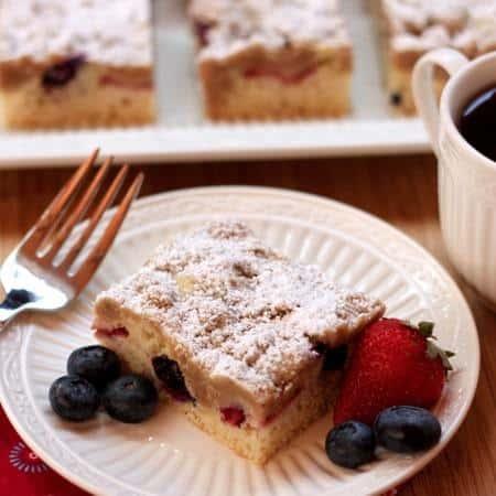 Red White Blueberry Crumb Cake 10