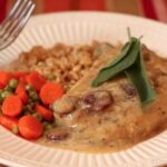 Cranberry Cider Gravy with Pork Chops (#glutenfree)