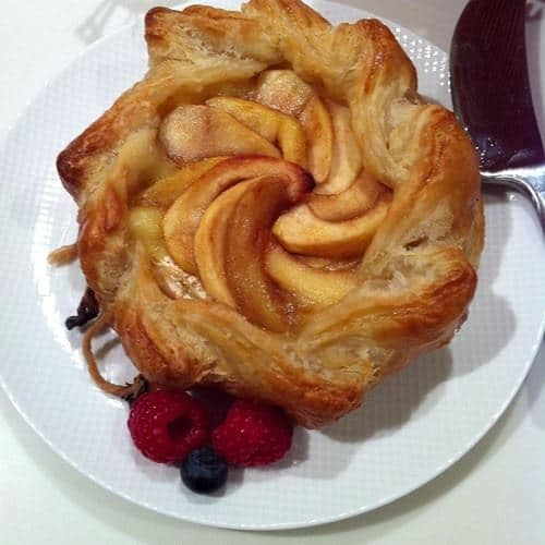 Apple brie en croute