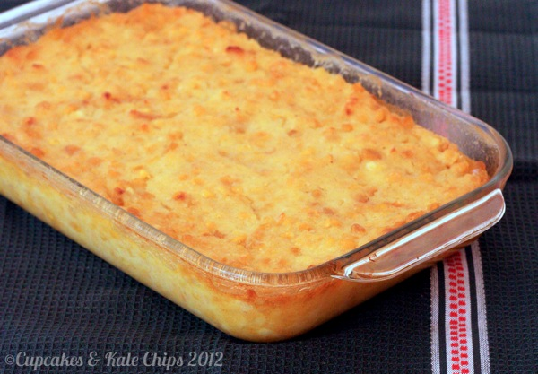 Corn Pudding - a simple and delicious side dish that is a family favorite. No holiday meal is complete without it! | cupcakesandkalechips.com | gluten free recipe