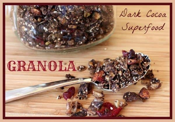 Dark Cocoa Superfood Granola - chocolate for breakfast is good for you when add it to a healthy recipe filled with nuts, oats, quinoa, flax seeds and more! | cupcakesandkalechips.com | #granola #chocolate #glutenfree #vegan