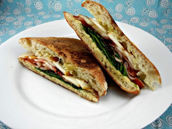 Awesome flavor combo! Pear, Bacon & Smoked Gouda Panini. Recipe created by The Tasty Fork