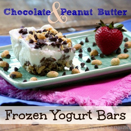 Chocolate Peanut Butter Frozen Yogurt Bars {#glutenfree} - a sweet & salty crust topped with vanilla frozen yogurt swirled with peanut buttery chocolate | cupcakesandkalechips.com