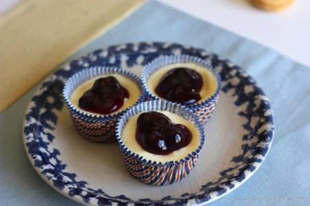 Lemon Creme Oreo Cheesecake Cupcakes | cupcakesandkalechips.com @Oreo #cheesecake #cupcakes