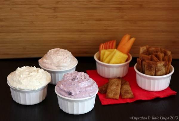 Red, White & Blue Greek Yogurt Cheesecake Dip Trio - just a couple ingredients and a few minutes to make a tasty & light sweet treat   cupcakesandkalechips.com #greekyogurt #cheesecake #dessert #dip