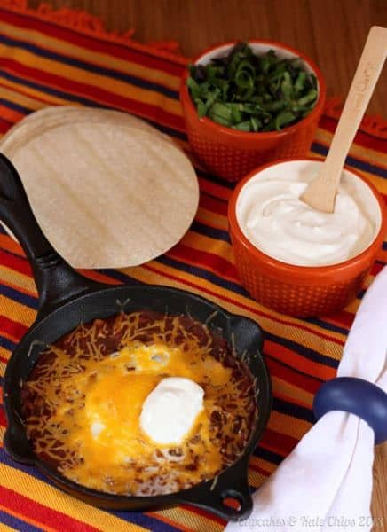 Salsa Egg Tacos - a quick & easy meal meatless meal for busy weeknights cupcakesankalechips.com #backtoschoolweek #meatlessmonday #eggs #tacos #30minutemeal