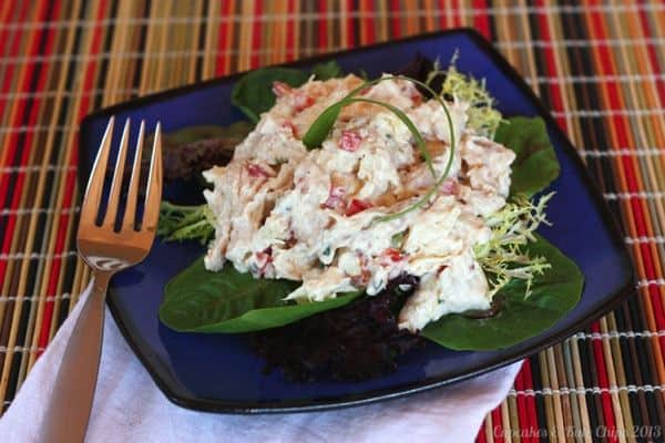Asian-Inspired Sesame Pineapple Chicken Salad - made with Greek yogurt, packed with protein, flavor & crunch for and easy weekday lunch or dinner   cupcakesandkalechips.com   #chickensalad #greekyogurt #glutenfree