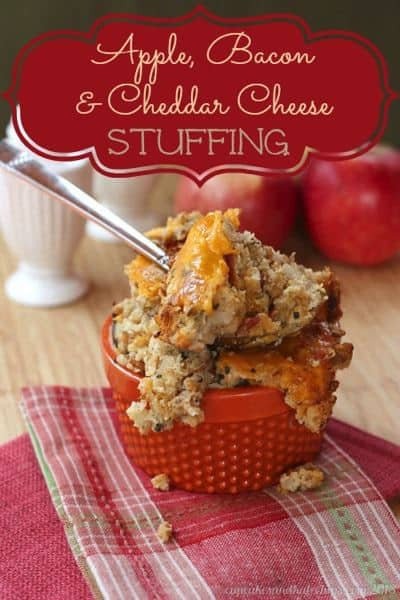 Apple, Bacon and Cheddar Cheese Stuffing - a sweet and savory, fantastic new addition to your Thanksgiving menu | cupcakesandkalechips.com | #glutenfree #thanksgiving
