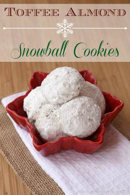 Toffee Almond Snowball Cookies - perfect with your cup of coffee or tea! | cupcakesandkalechips.com | #christmascookies #cookieweek