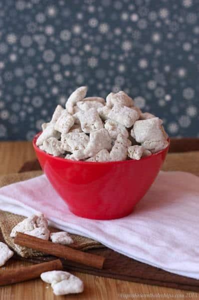 Chai Tea Snow Buddies | cupcakesandkalechips.com | #muddybuddies #puppychow #glutenfree #chaitea