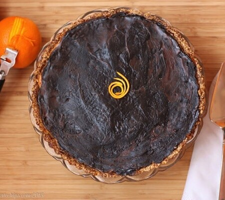 Dark Chocolate Orange Ricotta Tart with Honey Almond Crust | cupcakesandkalechips.com