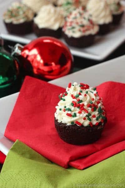 Flourless Nutella Marshmallow Cloud Cookie Cups   cupcakesandkalechips.com   #cookies #cupcakes #glutenfree
