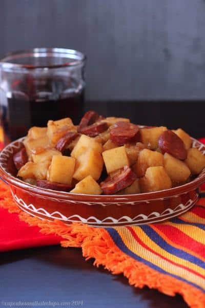 Patatas a La Riojana (Rioja-Style Potato & Chorizo Stew) | cupcakesandkalechips.com | #tapas #appetizer #side #glutenfree