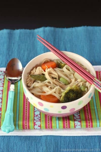 {Semi-Homemade} Thai Chicken Noodle Soup | cupcakesandkalechips.com | #semihomemade #comfortfood