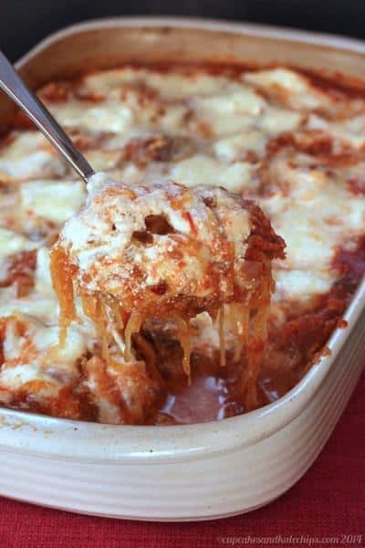 Turkey Sausage and Mushroom Spaghetti Squash Casserole | cupcakesandkalechips.com | #glutenfree #dinner #lowcarb