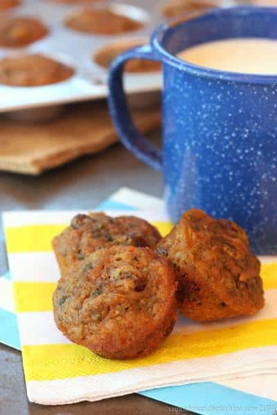 Healthy Carrot Zucchini Mini Muffins | cupcakesandkalechips.com | #breakfast #snack #vegetables