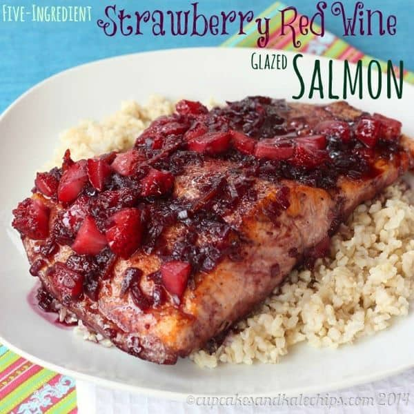 Five-Ingredient Strawberry Red Wine Glazed Salmon | cupcakesandkalechips.com | #seafood #glutenfree #strawberries