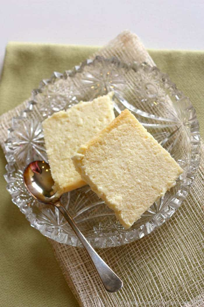 Pieces of Syrnyk Eater cheese on a glass plate