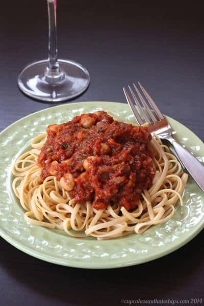 Vegan Vegetable Tomato Sauce with Chickpeas | cupcakesandkalechips.com | #glutenfree #vegetables #pasta #vegetarian
