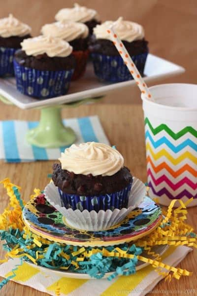 {Healthier} Whole Wheat Double Chocolate Chip Cupcake Muffins with Greek Yogurt Cream Cheese Frosting | cupcakesandkalechips.com | #breakfast #snack #dessert #cupcakes