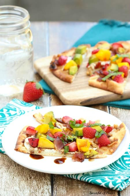 Flatbread Pizza with strawberry, mango and avocado