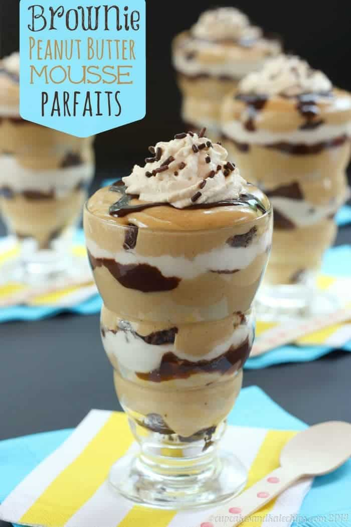 Brownie Peanut Butter Mousse Parfaits - layers of chocolate and peanut butter! One of the best gluten-free no bake desserts I've made! | cupcakesandkalechips.com | #glutenfree option