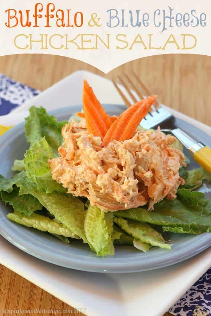 Buffalo and Blue Cheese Chicken Salad - hot wings flavor in a cold lunch or dinner | cupcakesandkalechips.com | #glutenfree #buffalochicken
