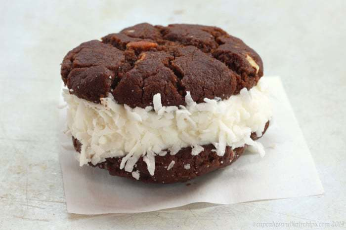 Flourless Chocolate Almond Coconut Ice Cream Sandwiches - coconut ice cream or sorbet sandwiched between two chocolaty cookies is a fun frozen dessert that's gluten free with a dairy-free option. |cupcakesandkalechips.com