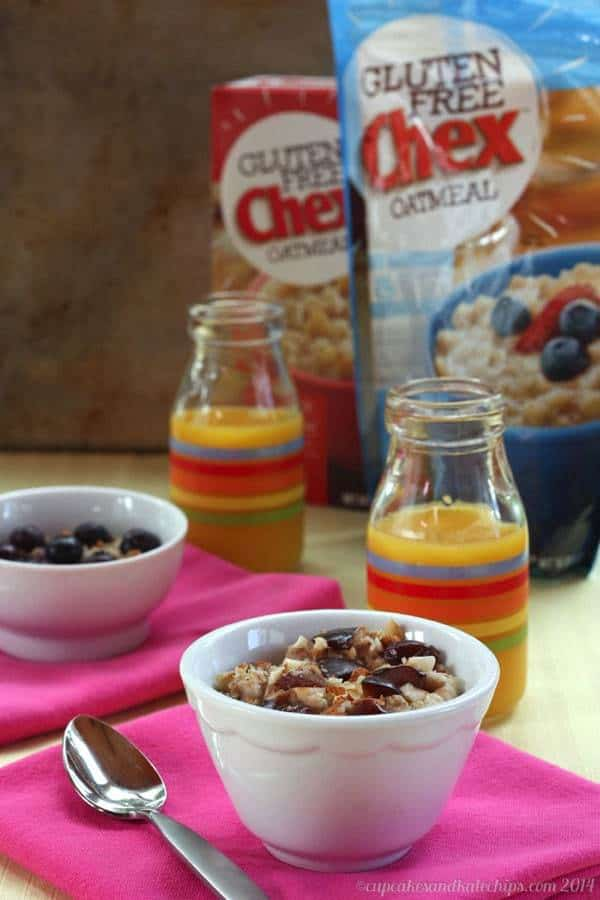 DIY Freezer Oatmeal Cups - customize this easy, make-ahead breakfast!   cupcakesandkalechips.com   #lovechex #spon #glutenfree