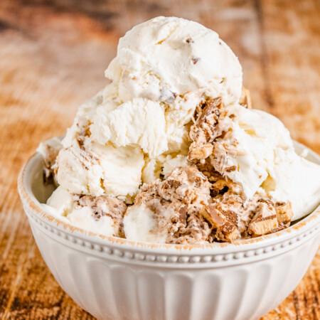 Nutella Toffee Ice Cream in a white decorative bowl