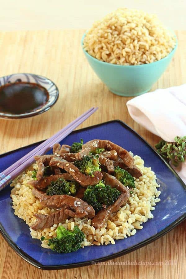 Gluten Free Stir Fried Beef and Broccoli - get dinner on the table in less than 30 minutes with #McCormickFlavor #GlutenFree Recipe Mixes   cupcakesandkalechips.com   #AD
