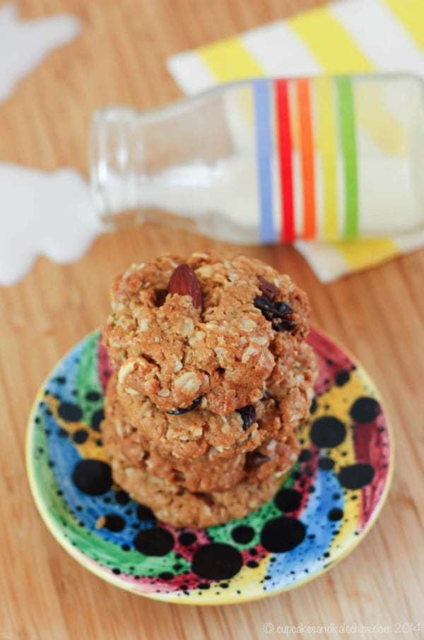 Trail Mix Monster Cookies - a healthier version of the classic flourless oatmeal peanut butter cookie recipe filled with nuts and chocolate. And they're gluten free! | cupcakesandkalechips.com
