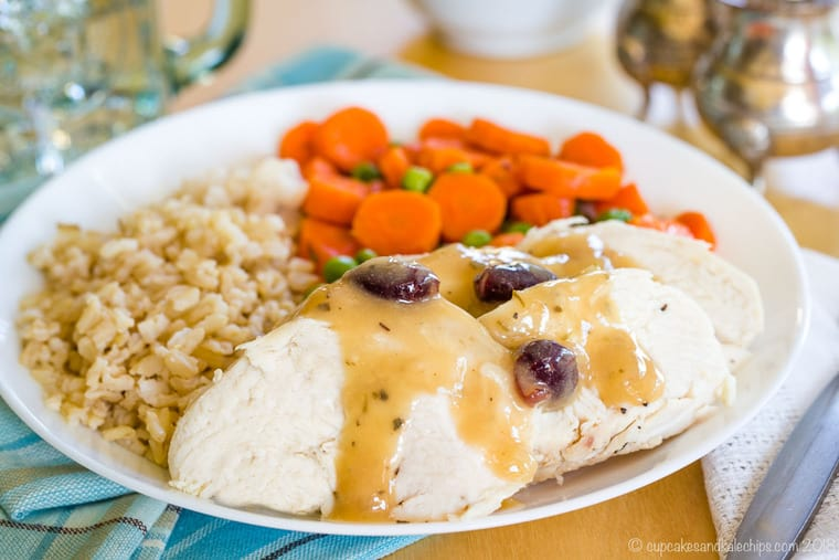 Make Ahead Cranberry Apple Cider gravy for chicken or turkey