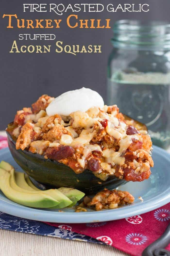 Fire Roasted Garlic Turkey Chili Stuffed Acorn Squash - a healthy, low carb alternative to a bread bowl, and it's quick and easy enough for a family dinner even on a busy weeknight | cupcakesandkalechips.com | #WeekdaySupper with #McSkilletSauce