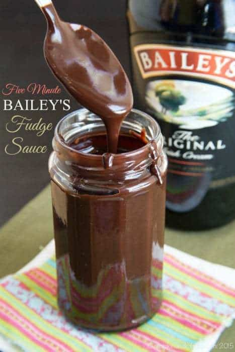 Five Minute Bailey's Fudge Sauce - one of the top ten most popular dessert recipes on cupcakesandkalechips.com for 2015
