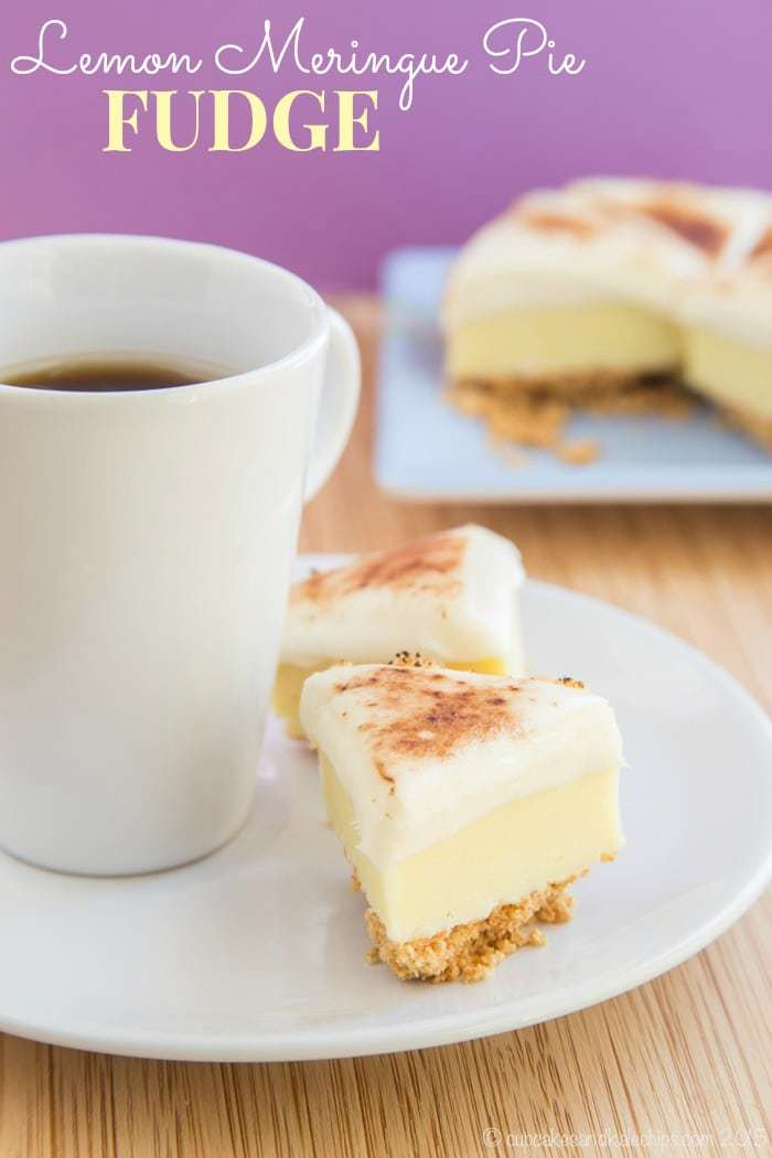 Lemon Meringue Pie Fudge - buttery crust, lemony white chocolate fudge, and a marshmallow topping gives you all the pie flavor in a sweet little candy bite | cupcakesandkalechips.com