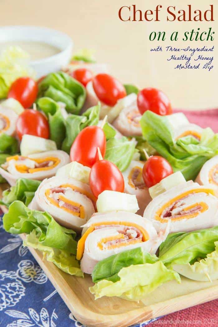 Chef Salad on a Stick - turn the usual salad into a fun picnic lunch or party appetizer. Pair it with your favorite salad dressing or dip. | cupcakesandkalechips.com | gluten free recipe