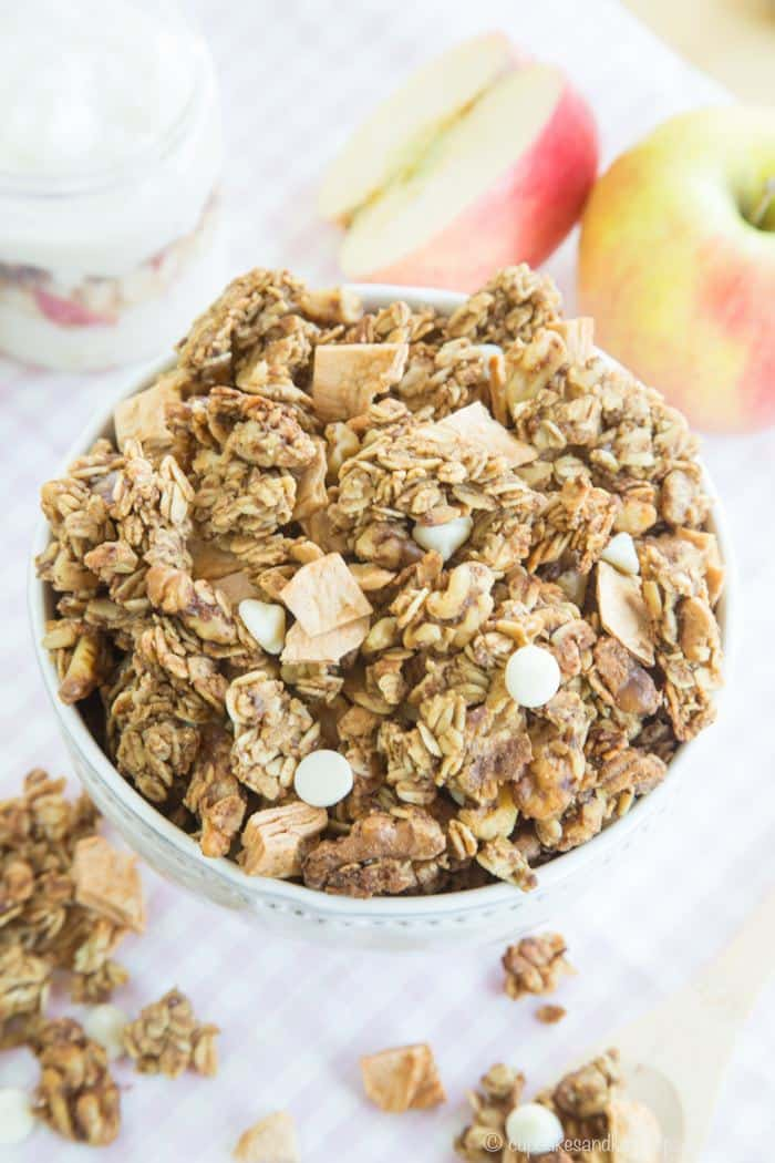 Apple Crisp Granola with cinnamon and white chocolate chips