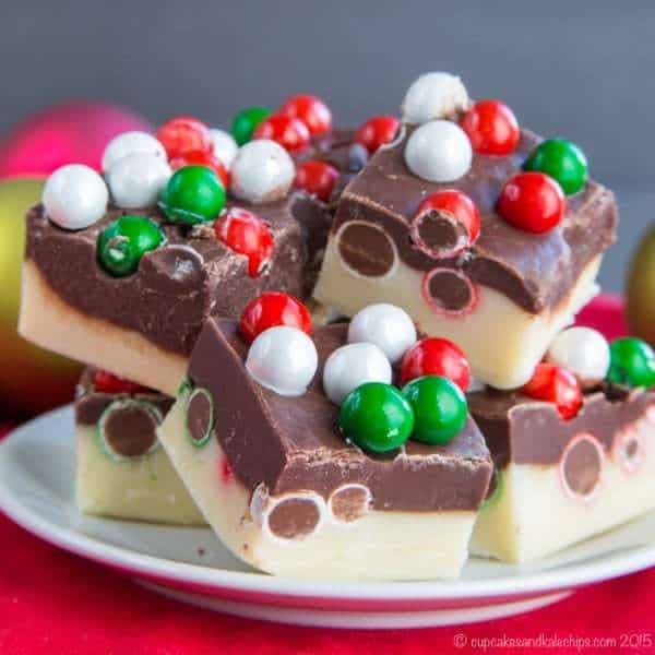 Four-Ingredient Double Chocolate Christmas Fudge - a quick and easy edible gift or sweet dessert bite for the holidays. | cupcakesandkalechips.com | gluten free