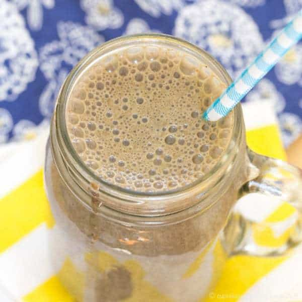 Banana Almond Mocha Smoothie recipe - satisfy your Starbucks Frappuccino cravings in a healthy way with this chocolate and coffee-flavored smoothie for breakfast, snack, or dessert.   cupcakesandkalechips.com