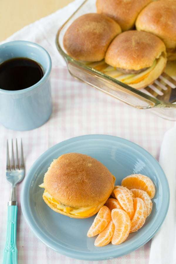 Maple Dijon Apple and Turkey Sausage Breakfast Sliders - an easy make-ahead breakfast recipe to grab on the go, or to feed a crowd for brunch. #ad | cupcakesandkalechips.com