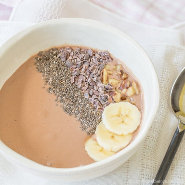 Banana Chocolate Chunk Smoothie Bowl - packed with protein and superfoods, this easy recipe is perfect breakfast, snack, or dessert. Gluten free and dairy free when made with @lovemysilk. #TastetheGoodness #ad | cupcakesandkalechips.com