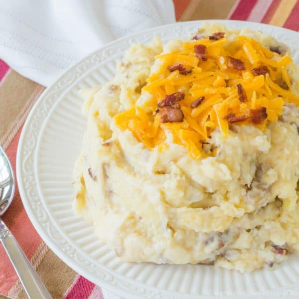 Homestyle Cheddar Bacon Mashed Potatoes - easy side dish recipe lightened up with Greek yogurt. Gluten free