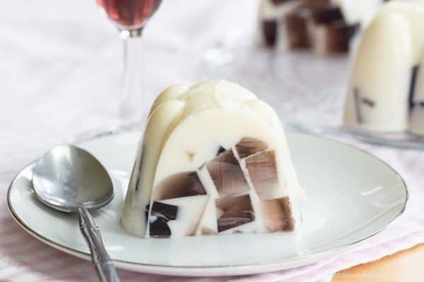 Sparkling Ice Cream Float Gelatin Mold - a simple but impressive no-bake dessert made with your favorite @martinellisco Sparkling Cider or Juice #ad