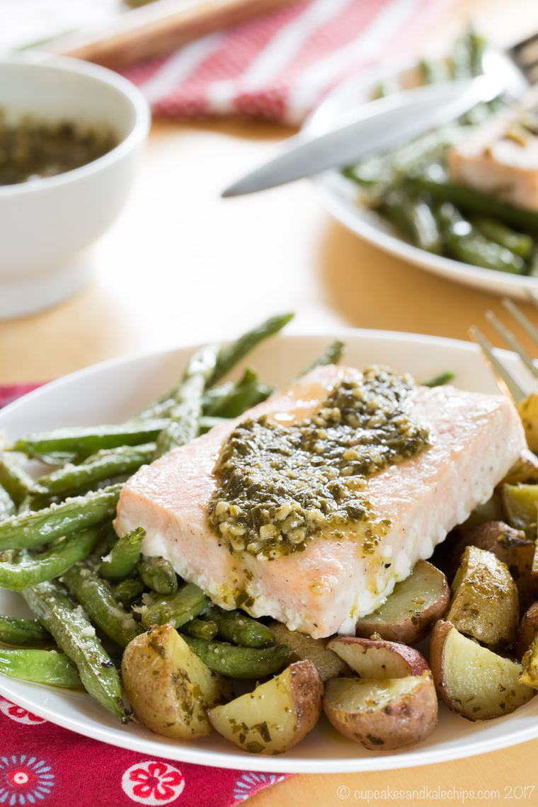 pesto salmon with potatoes and green beans