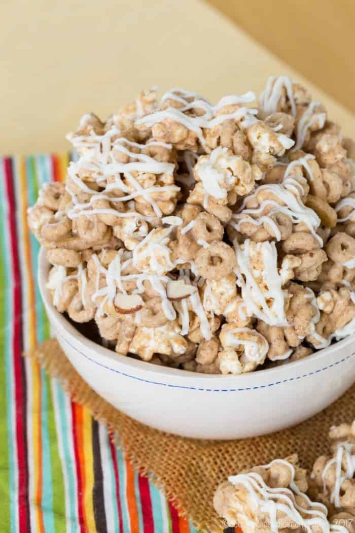 Banana Nut Cheerios Snack Mix with White Chocolate and Popcorn - only six ingredients in this easy snack mix recipe! And it's gluten free!