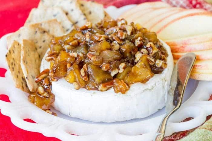 Baked Brie recipe with apples and pecans - an easy appetizer recipe for a party