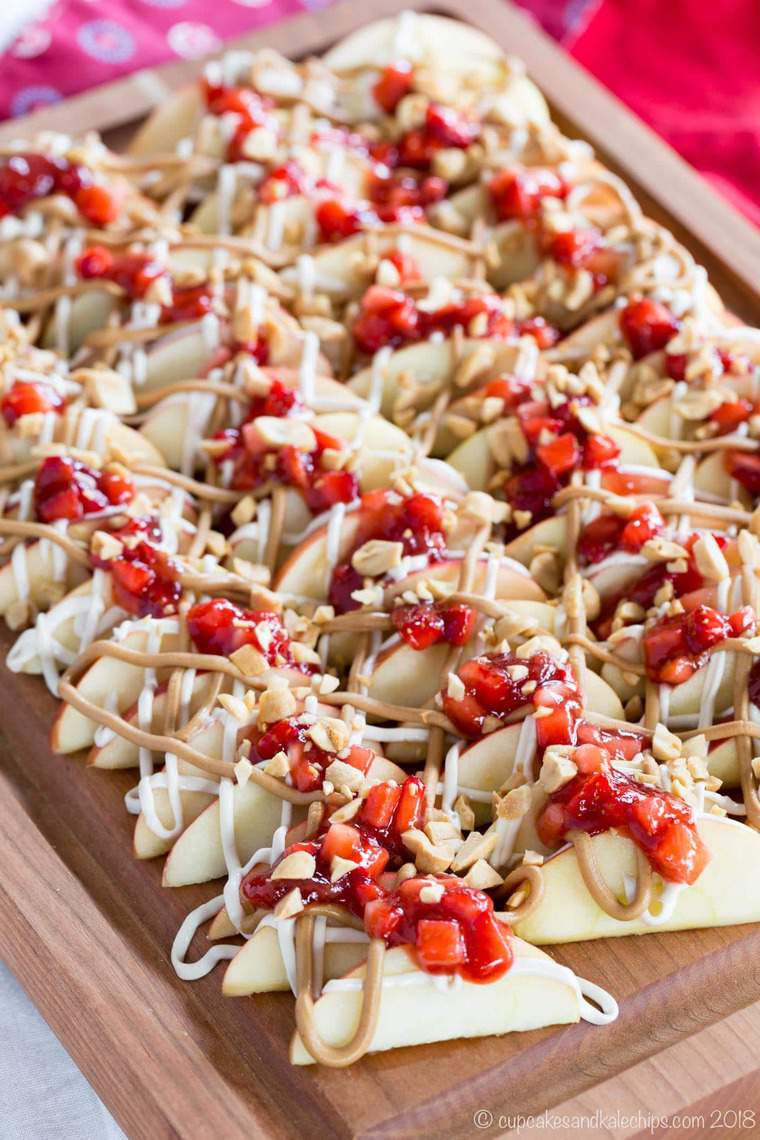 Rows of PB and J Cheesecake Apple Nachos